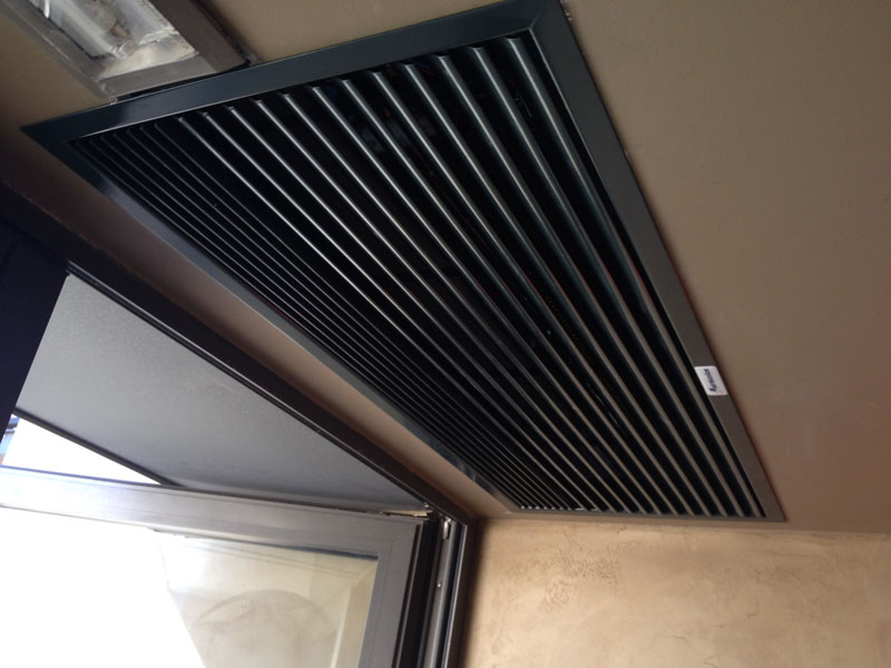 Recessed Optima air curtain at Filandron restaurant, Spain